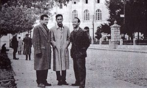 S desna Stevo Vlajnić fotograf, Petar Tešić novinar i Vladan Ćetković