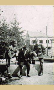 Ђоко Дробњаковић 1941. у Малом парку