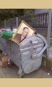 Bacili ga na đubrište istorije (foto Đorđe Drobnjaković)