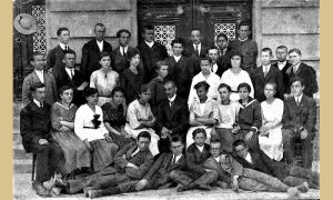 Užički učiteljci sa profesorima 1921.