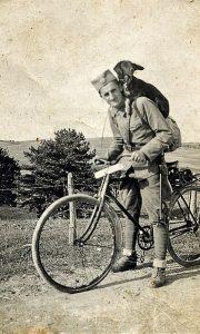 Mladi Đorđe Drobnjaković, uvek je voleo lov i pse balkanske goniče