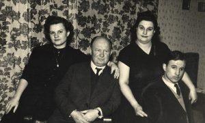 Porodica Prohorova, s leva: Senja, Nikola, Anđa i Vova