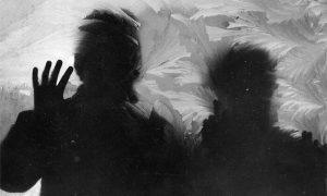 Te 1979 u januaru je bilo toliko hladno da je zaledila većina užičkih izloga (foto Vlajko Kovačević)