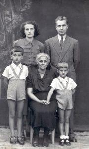 Porodica Nikitović Rako, Zaga, Srba, baka, Mišo ranih pedesetih