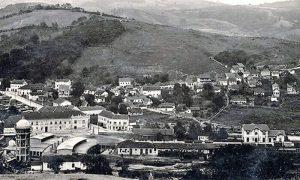 Nekadašnji železnički kopleks u Begluku, Železnička stanica, Dom železničara, Železnička zgrada, Ložionica, Vodotoranj