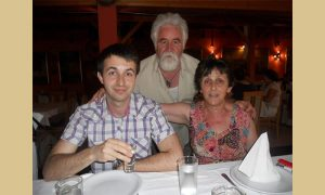 Dobrica Ćosić sa majkom i ocem