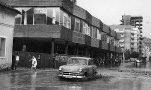 Prljov potok, kada je korito Đetinje bilo puno, te 1964. je plavio i Glavnu ulicu