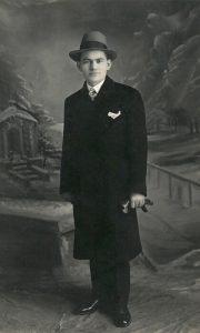 Gospodin Kosta Despotović tekstilni trgovac