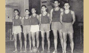 Slobodini košarkaši 1953. god. Sleva: M. Jolović, G. Trundžilović, V. Kovačević, I. Timotijević, D. Smiljanić, Đ. Lazović