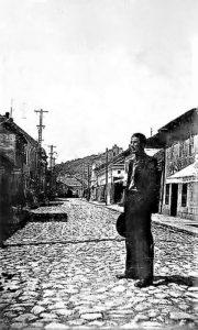 """Zanatsko Užice, glavna ulica na """"Lipi"""" pred Drugi svetski rat, na ulici Pavle Bjelaković"""