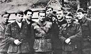 Tito sa najbližim saradnicima: Ivo Lola Ribar, Aleksandar Ranković, Milovan Đilas, Sreten Žujović, Andrija Hebrang, Moša Pijade i Edvard Kardelj