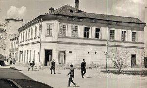 Kuća popa Gavrila Popovića na čijem mestu je napravljena Komunalna banka (Vojvođanska)
