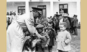 Slobodan Jovanović dete palog borca se sreo sa Titom na Zlatiboru 1946. Odlučeno je da mu preda štafetu 1961. godine