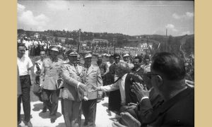 Posle Garde se pozdravio se sa starim ratnicima i nastavio prema svečanoj bini