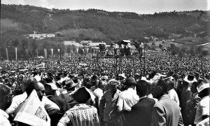 Kamere RTB na mitingu u Krčagovu kome je prisustvovalo 200.000 ljudi