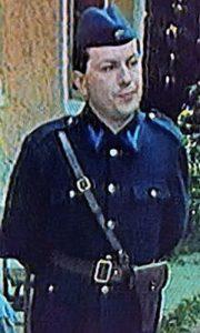 Posleratni narodni milicajac u uniformi koja je nošena do 1950. godine