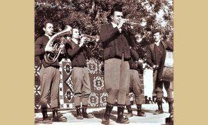 Na Drugom saboru trubača Zlatna truba Milovanu Babiću iz Milićeva sela