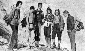 Profesor Milan Popović sa svojim planinarima