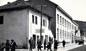 """Nekadašnja zgrada Ženske škole, pa Pošte, data je posle izgradnje Pošte na Trgu preduzeću """"Bioktoš"""""""