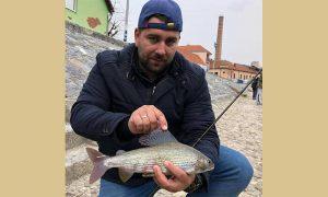 Ribolov u centru grada na Đetinji