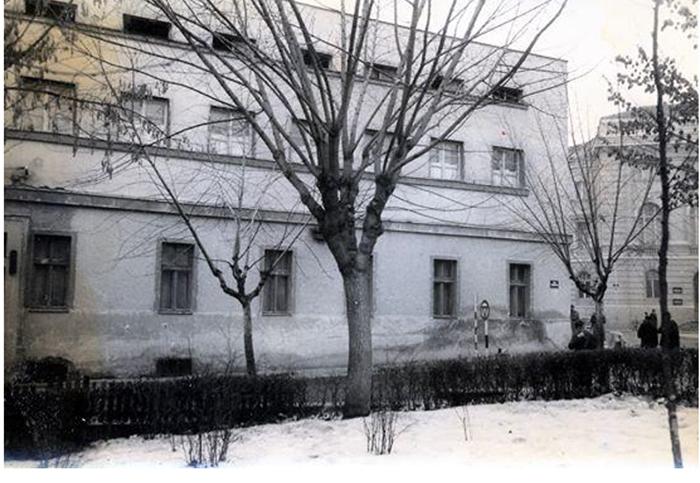 Spratni deo starog hotela Zlatibor gledano prema Đetinji