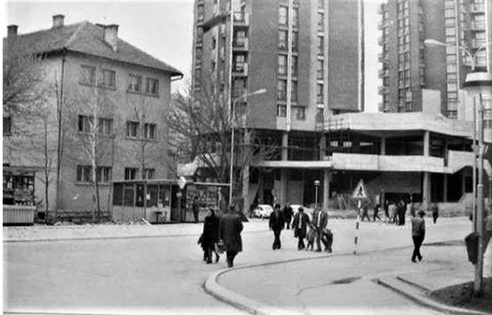 """Ispred trafika preko puta Parčića bili su redovi za kupovinu """"Džuboksa"""""""