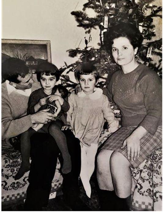 U krugu porodice Mikoša Grujčića za Novu 1967. godinu