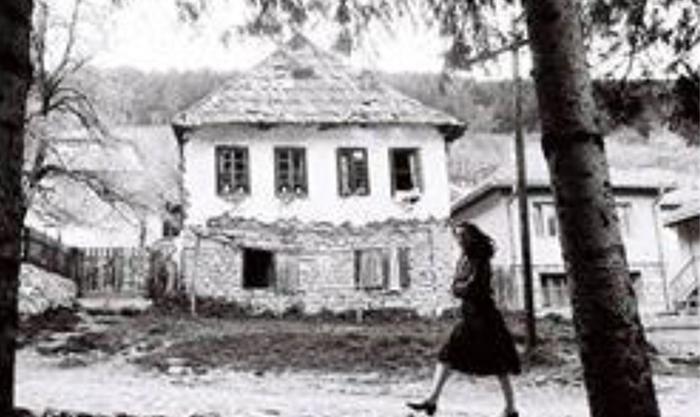 Od 1968. grad je naglo počeo da gubi indetitet naglim rušenjem staroga Užica.