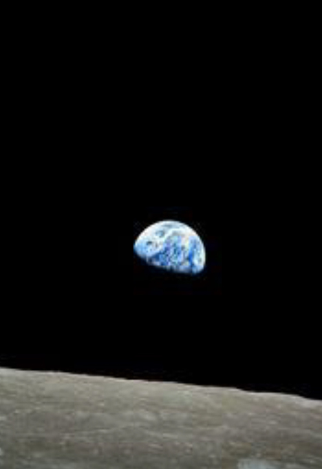 Kasnije veoma poznata fotografija sa Apola 8 Meseca i Zemlje