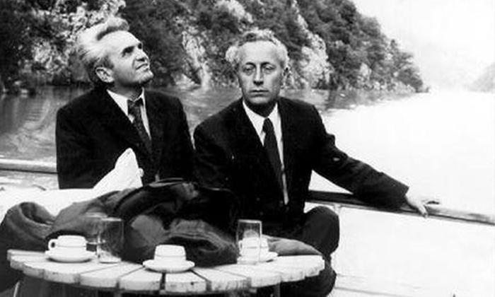 . Dva posebna užička profesora s desna Vukašin Šumanac i moj otac Vlajko Kovačević. na jezeru Perućac.
