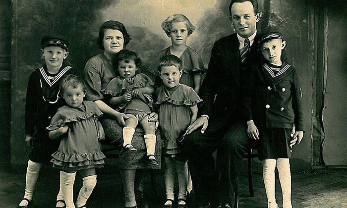 Dragi Singer sa porodicom