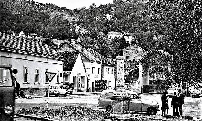 Centar Rakijskog pijaca u vreme Adove mladosti