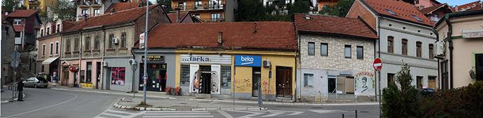 Deo centra Rakijske pijace gde su sačuvane kuće iz vremena staroga Užica; fotografisano 4. Oktobra 2020. Z. Domanović