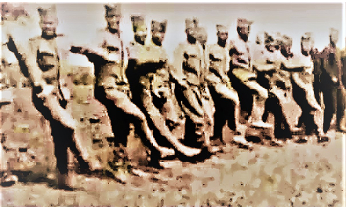 """Vojnici na Solunskom frontu igraju kolo- """"Žikino kolo"""""""