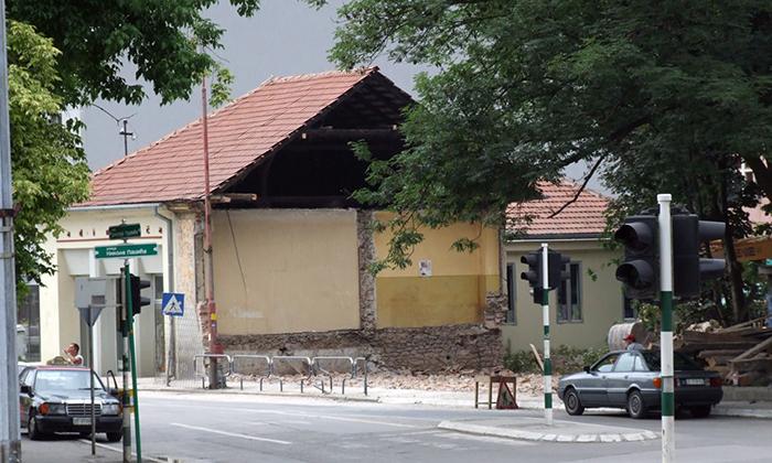 Snimak Z. Domanovića posle rušenja dela Popovića Kuće
