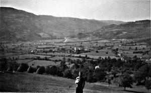 Selo Sevojno snimljeno 1940. godine, poznato po Poljoprivrednoj školi