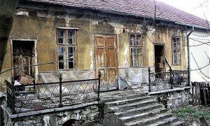 Kuća u kojoj je bilo obdanište pred rušenje