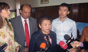 Mama Vong i novinari