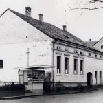 Na mestu današnjeg ulaza na Zeleni pijac bila je užička pošta a kasnije komunalno preduzeće