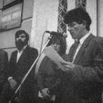 Sociolog Boban Gavrilović na prvim posleratnim protestima ispred užičke opštine