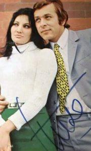"""Razglednica sa mužem Mirom Ungarom, koje je Tereza potpisivala posle koncerta u bioskopu """"Partizan"""""""
