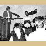"""VIS """"Plave Suze"""" s leva: Bore Mijalović, Ćorla, Počkaj, Jovica Mitrašinović. Bili su u to vreme najveća konkurencija VIS Vihorima, koji je svirao na """"Ferijalnom"""" (kasnije Hotel Turist)"""