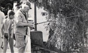 Stole Vasić peca na viru kod vodenica