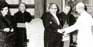 Josip Broz Tito konačno je posetio papu Pavla VI u Vatikanu 29. marta 1971. godine, što predstavlja prvu službenu posetu predsednika jedne socijalističke zemlje papskoj državi