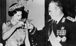 Tito i Jovanka su domaćinski dočekali kraljicu Elizabetu Drugu