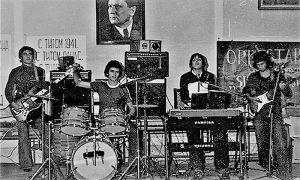 Veliki Gimnaziski orkestar: s leva: Trle, Mato, Trunto, Slobo