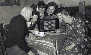 Porodično slušanje radija