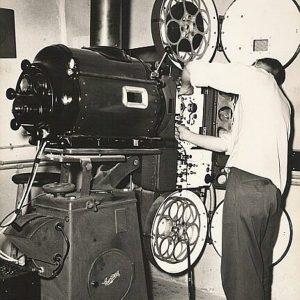 Kod kinoaparatera Mikija