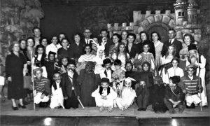 Beli jelen predstava koja je iskupila sve Užičane koji su se bavili pozorištem