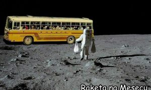 Raketa na mesecu